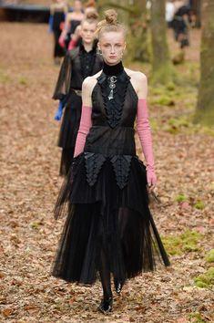 Chanel Ready-to-wear Fall/Winter 2018-2019 READY-TO-WEAR Fashion Show