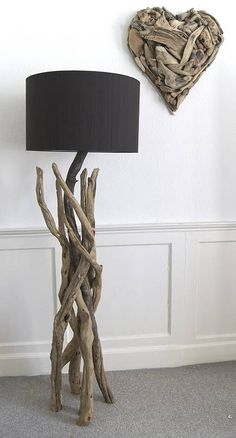 Beautiful driftwood lamp stands that emphasize natural sculpture as a dramatic interior art SHAIROOM. The driftwood table lamp is incredible. Its basic shape was created in a natural way from water, sand and win Driftwood Table, Driftwood Furniture, Driftwood Projects, Diy Furniture, Diy Projects, Driftwood Ideas, Driftwood Beach, Creation Deco, Wood Lamps