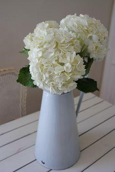 Hydrangea, Floral Arrangements, Barn, Flowers, Home Decor, Converted Barn, Decoration Home, Room Decor, Flower Arrangement