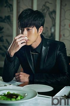 For his BNT International pictorial, Park Hae Jin pays homage to a… Korean Male Models, Korean Celebrities, Korean Model, Korean Actors, Asian Actors, Park Hye Jin, Park Hyung Sik, Blood Korean Drama, Ahn Jae Hyun