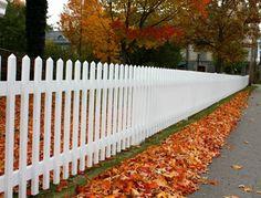 clôture de jardin en bois de type piquet