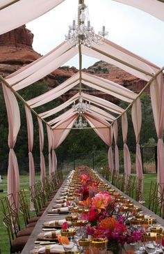 We love this unique open air tent that allows for guests to take in the natural mountainous backdrop. Featured À Votre Service Events, LLC. Tent Wedding, Farm Wedding, Summer Wedding, Wedding Events, Dream Wedding, Rooftop Wedding, Glamping, Air Tent, Exotic Wedding