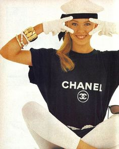 Omg! Kylie Minogue is the coolest! Chanel 1987 #kylieminogue #80sfashion #80smodel #80stshirt #80sglam #80smusic #80shair #80style #80slool #flashback #neontalk #studiophoto #retrophoto #chanel #
