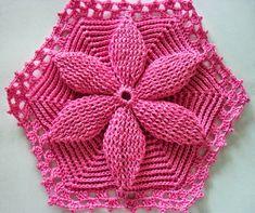 The Revenue Crochet: flower crochet bedspread Mary Dolls.  Translated pattern at site
