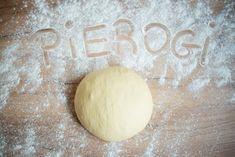 Jak zrobić idealne ciasto na pierogi? W rzeczywistości nie jest to takie trudne. Wystarczy pamiętać o odpowiednich proporcjach i trzymać się kilku uwag. Pierogi, Bread, Cooking, Recipes, Food, Meal, Kochen, Food Recipes, Essen