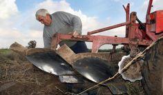 Пољопривредници хоће више пара и праведнији откуп - http://www.vaseljenska.com/ekonomija/poljoprivrednici-hoce-vise-para-pravedniji-otkup/
