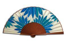 www.pepitinaruizseda.com Chinese Fans, Fan Decoration, Vintage Fans, Hand Fans, Little Things, Paper Flowers, Decoupage, Espadrilles, Hand Painted