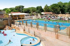 Camping La Bastiane is een leuke camping gesitueerd in een groene omgeving, op enkele kilometers van de stranden van Ste. Maxime aan de Côte d'Azur. Er is o.a. een verwarmd openluchtzwembad met bubbelbad en apart kindergedeelte. Tijdens het hoogseizoen is er een miniclub en een animatieprogramma voor jong en oud! Je vindt op ca. 1200 m het gezellige stadje Puget-sur-Argens met restaurants en winkels. Op ca. 10 km ligt Fréjus met de vele stranden.   Officiële categorie *****