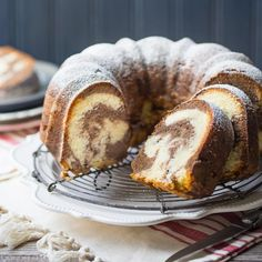 Marble Bundt Cake: so buttery it melts in your mouth!