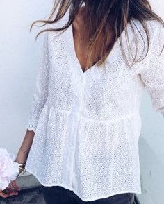 Guy Fashion 56506170314195011 - Blouse Alana blanche Source by maeva_stefan Mode Outfits, Dress Outfits, Fashion Outfits, Blouse Styles, Blouse Designs, Men's Shirts And Tops, Look Boho, Classy Dress, Mode Inspiration