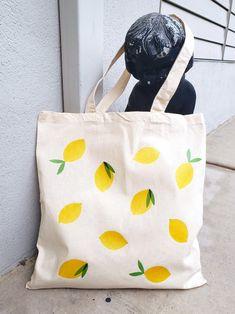 Lemon cotton shopping bag on Etsy - Source by Cotton Shopping Bags, Reusable Shopping Bags, Printed Tote Bags, Canvas Tote Bags, Painted Canvas Bags, Bag Women, Fabric Stamping, Diy Tote Bag, Tote Pattern