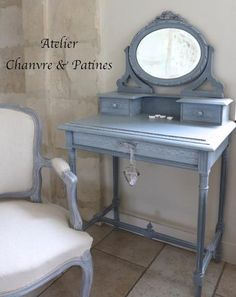 les 49 meilleures images du tableau table toilette sur pinterest en 2018 meubles peints. Black Bedroom Furniture Sets. Home Design Ideas