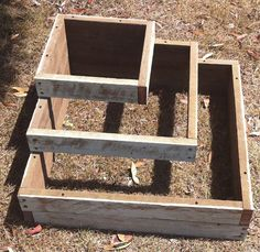 If space is an issue the answer is to use garden boxes. In this article we will show you how all about making raised garden boxes the easy way. Raised Garden Planters, Garden Planter Boxes, Wood Planter Box, Wooden Planters, Tiered Planter, Tiered Garden, Vegetable Planter Boxes, Railing Planters, Chicken Garden