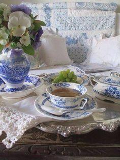 Blue and white tea set. I like the blue and white. Blue And White China, Blue China, Dresser La Table, My Cup Of Tea, Tea Service, White Decor, Vintage Tea, High Tea, Afternoon Tea