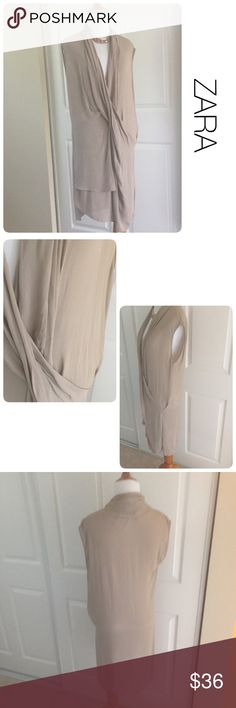 Zara effortlessly chic dress xs ♦️Excellent condition. No stains, holes or piling.                                                 ♦️Oversized fit                                   ♦️Materials- 100% viscose Zara Dresses Midi
