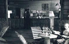 Lottakanttiini Neliapila Rukajärvelä / Viihtyisin Lottakanttiini kilpailun kuvasatoa vuodelta 1944.  #lottamuseo#lottasvard#lottakanttiini#sisustus
