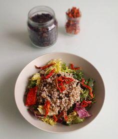 Ensalada de trigo sarraceno algas y pimiento crujiente @vitasnack  Me encanta añadir algas a mis ensaladas: wakame nori dulse... Ricas en antioxidantes depurativas y con gran capacidad nutricional  Ideales! Verdad?