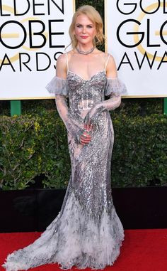 Nicole Kidman In Alexander McQueen from 2017 Golden Globes Red Carpet Arrivals 74th Golden Globe Awards, Golden Globes, Nicole Kidman Style, Alexander Mcqueen, Red Carpet Gowns, Grey Carpet, Celebrity Red Carpet, Armani Prive, Red Carpet Fashion