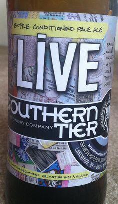 Cerveja Southern Tier Live, estilo American Pale Ale, produzida por Southerntier Brewing, Estados Unidos. 5.5% ABV de álcool.