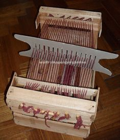 how to make a loom with recycling boxes - in another language, however it has pictures.