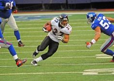 Ray Rice scores against Giants  Baltimore Ravens running back and Rutgers University Alumni Ray Rice scores against the New York Giants.