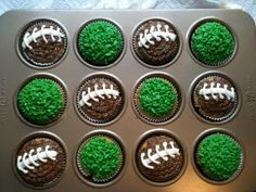 All Dressed Up and No Place 2 Go: Fantasy football widow turned cupcake creator - super bowl Superbowl Desserts, Football Snacks, Super Bowl, Football Cupcakes, Football Birthday, Orange Recipes, Fantasy Football, Savoury Cake, Cupcake Cakes