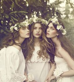 coiffure mariée couronne de fleurs épaisse verte et blanche
