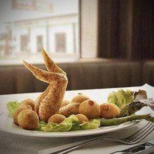 Eine interessante Anordnung der Speisen. - lol.de