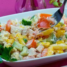 Savuros.TV Cea mai savuroasă salată din pui cu legume proaspete, bogată în vitamine și culoare. - Savuros.TV Cobb Salad, Potato Salad, Food And Drink, Potatoes, Ethnic Recipes, Mai, Youtube, Diet, Potato