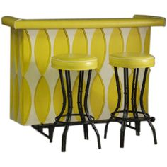What! If I had a basement/rec room.... this 60s Bar set would be in it. Definitely.