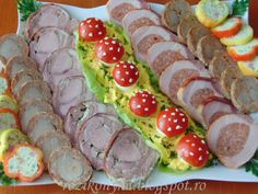 Rozi erdélyi,székely konyhája: Hidegtál jul.2017 Food Platters, Holidays And Events, Sushi, Bacon, Deserts, Food And Drink, Cooking, Ethnic Recipes, Cook Books