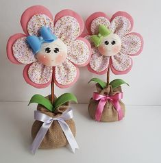 Fun Unique Craft Projects To Try Felt Crafts, Diy And Crafts, Craft Projects, Sewing Projects, Crafts For Kids, Projects To Try, Felt Flowers, Diy Flowers, Fabric Flowers