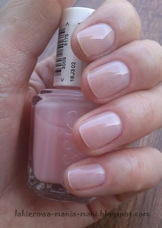 essie sugar daddy You are in the right place about Manicure pastel Here we offer you the most beautiful pictures about the Manicure novias you are looking for. When you examine the essie sugar daddy p Elegant Nails, Classy Nails, Gorgeous Nails, Pretty Nails, Gel Nails At Home, Neutral Nails, Nail Manicure, Beauty Nails, Beauty Makeup