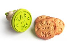 "Eat Me Cookie Stamper... Now i just need a bottle with ""Drink Me"" etched on it and I've got and Alice in Wonderland set :3"