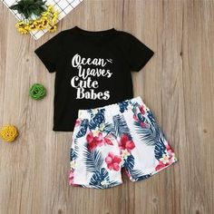 Time to step out in style! Here's a Fashionable outfit that's a perfect gift for your Baby. Kevin G, Girl Outfits, Fashion Outfits, Santa And Reindeer, New Year Gifts, Baby Size, My Black, Boho Shorts, Cute Babies