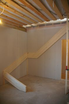 Tiny House Stairs, Loft Stairs, Building Stairs, Building A House, Rustic Stairs, Diy Cabin, Staircase Makeover, Wooden Staircases, Interior Stairs