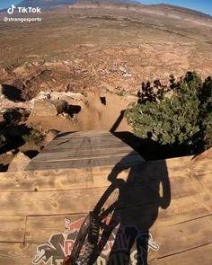 Mountain Bike Action, Mountain Biking Women, Downhill Bike, Mtb Bike, Parkour, Dirt Bike Videos, Montain Bike, Retro Bike, Ride Or Die