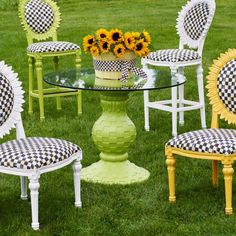 I would love to have this oh so cute garden/patio set. Unique Furniture, Outdoor Furniture Sets, Outdoor Decor, Furniture Ideas, Outdoor Living, Garden Patio Sets, Garden Spaces, Garden Ideas, Morning Glory Plant