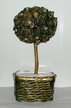 Topiario de flores hechas con cartones de huevo. Creaciones Fas-Fas