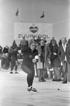 Fotocollectie » [Wereldkampioenschap schaatsen allround vrouwen], Sablina (Sovjet-Unie) in aktie   gahetNA