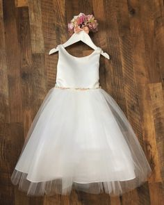 Sweet flower girl dress with embellished waist ribbon, two colors available Flower Girl Dresses Country, Tulle Flower Girl, Tulle Flowers, Girls Dresses, Flower Girls, Wedding Vans, Girl Fashion, Fashion Dresses, Floral Sleeve