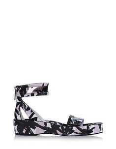 You'll Never Want to Wear Heels Again With These in Your Closet: It's the worst kind of 7 a.m.