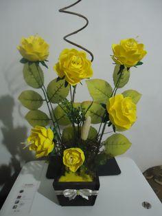 Arranjo de flor em E.V.A, R$50,00