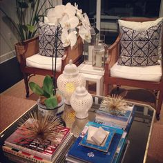 Luxe Report: Accessorized Coffee Table