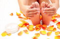 Ο γρήγορος τρόπος ζωής μας, δεν μας αφήνει χρόνο για να φροντίσουμε σωστά τα πόδια μας. Δείτε την πιο απλή και αποτελεσματική θεραπεία για απαλές φτέρνες.