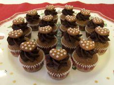 Herkkuja leipomassa: Suklaiset piparkakkukuppikakut / Chocolaty Gingerb...