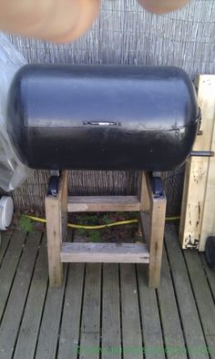 Comment faire un barbecue avec un baril en 5 tapes for Comment fabriquer un barbecue