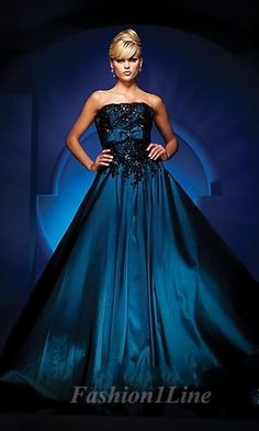 Royal blue dress, love!
