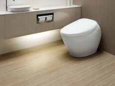 トイレの床材は、清潔さはもちろん、汚れにくく掃除のしやすい素材を選びたいもの。もちろん、デザイン性も配慮しておきたいポイントでしょう。ここでは、新築やリフォームの際に知っておきたい、トイレに適する主な床材の種類と特徴、選ぶ際の注意点をまとめました。
