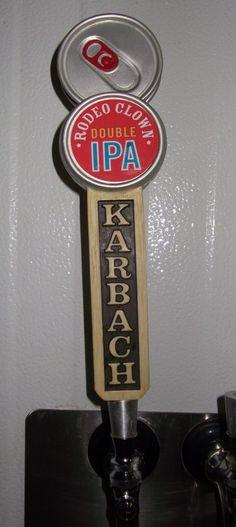 Cerveja Karbach Rodeo Clown, estilo Imperial / Double IPA, produzida por Karbach Brewing, Estados Unidos. 9.5% ABV de álcool.